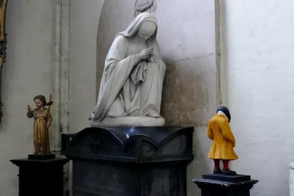 Fotos de Bruselas, estatua Virgen en La Chepelle