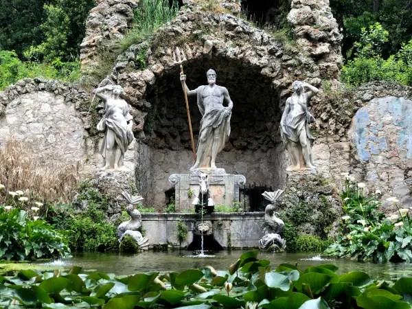Fotos de Dubrovnik en Croacia, estatua Trsteno Arboretum