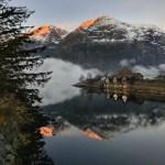 Fotos de Eidfjord en Noruega, atardecer y casitas de colores