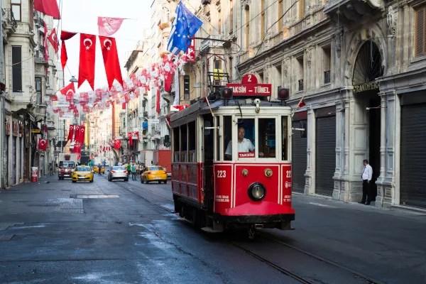 Fotos de Estambul en Turquia, tranvia en Istiklal street