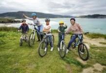 Fotos de Ferrol en Galicia, Juanito, Mari Chus, Teo, Oriol y Vero en bicicleta