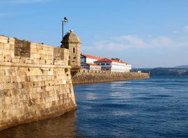 Fotos de Ferrol en Galicia, muelle de Curuxeiras