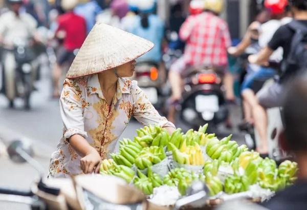 Fotos de Hanoi en Vietnam, vendedora callejera