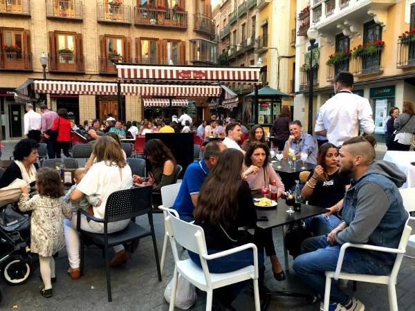 Fotos de Murcia, ambiente en la plaza de las Flores