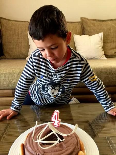 Fotos de Tenerife, Oriol y su tarta de cumpleaños