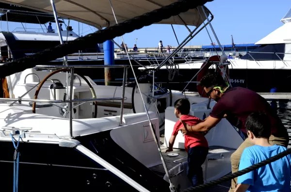 Fotos de Tenerife, Teo y Oriol subiendo al velero