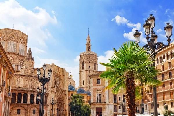 Fotos-de-Valencia-Plaza-de-la-Virgen-1 ▷ 10 lugares imprescindibles con niños en Valencia