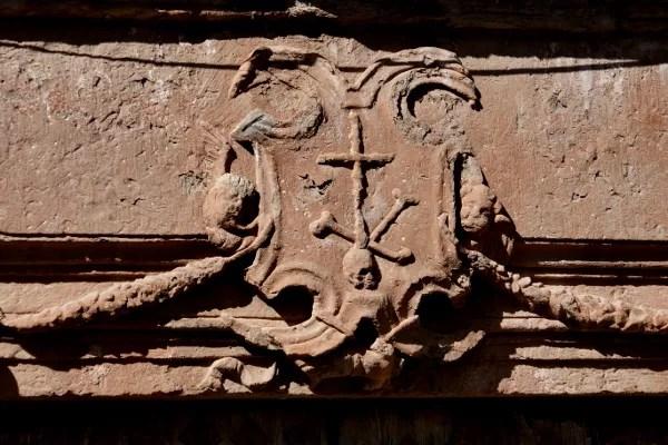 Fotos de Villanueva de los Infantes, escudo de la Inquisición
