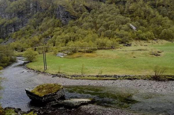 Fotos de los Fiordos Noruegos, paisajes y rios tren de Flam