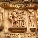 Fotos de los templos eroticos de Khajuraho, escena sexual