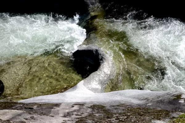 Fotos del Valle del Jerte en Caceres. Marmita de gigante en Los Pilones