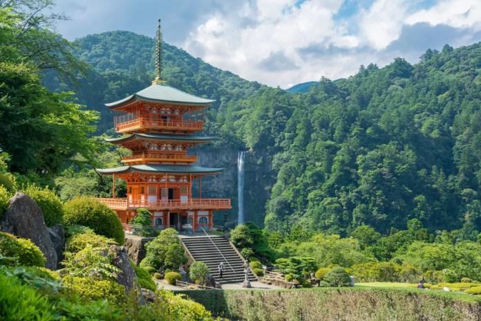 Fotos del santuario y la cascada de Nachi en Japón, Kumano Kodo