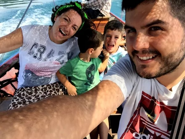 Fotos del viaje a Tailandia con niños, selfie Vero, Teo, Oriol y Pau Khao Sok