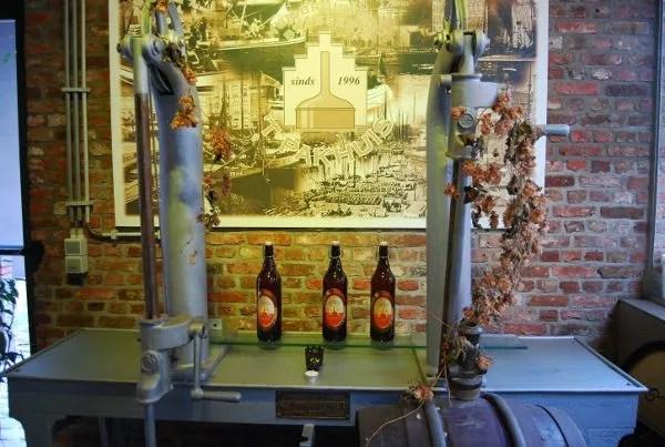Lúpulo en la cervecería 't Pakhuis de Amberes