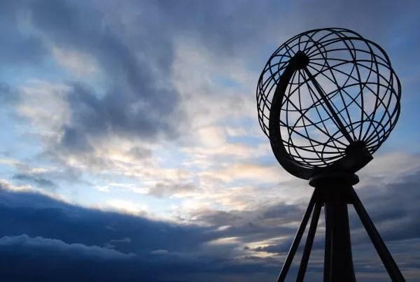 Monumento-del-Cabo-Norte ▷ El mejor lugar de Noruega para ver la aurora boreal
