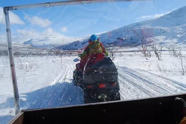 Moto-taxi de nieve de Kebnekaise hasta Nikkaluokta