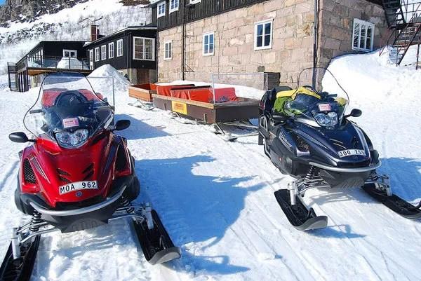 Moto-taxis de nieve en Laponia Sueca