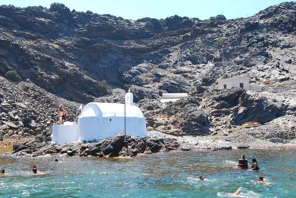 Nadando hacia la ermita de Palea Kameni