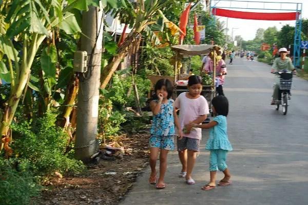 Niños cham en Chau Doc