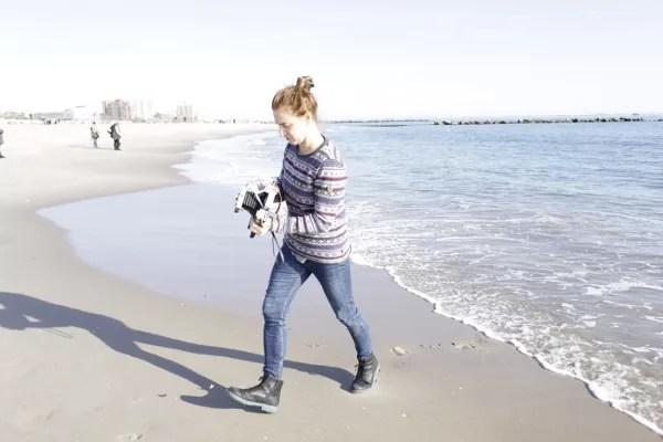 Patricia Iranzo en la playa de Coney Island