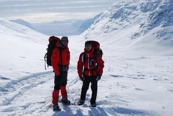 Pau y José Luis en el paso Tjäktja en Laponia Sueca
