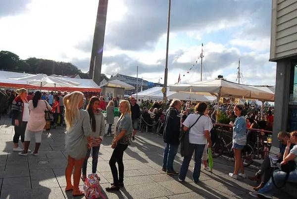 Ríos de gente en el Festival Gladmat de Stavanger