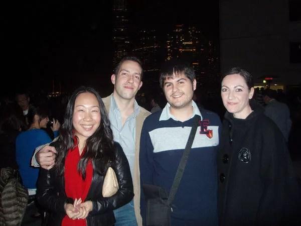 Rena, Javier, Pau y Vero durante la Nochevieja en Hong Kong