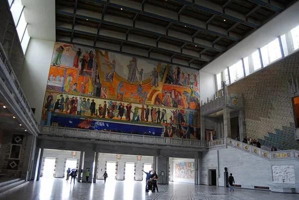 Salón principal del Ayuntamiento de Oslo