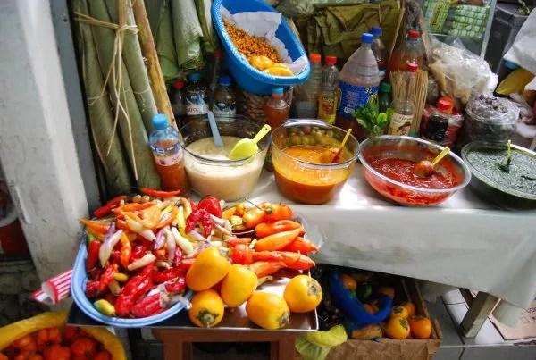 Salsas de ají en el mercado de Surquillo de Lima