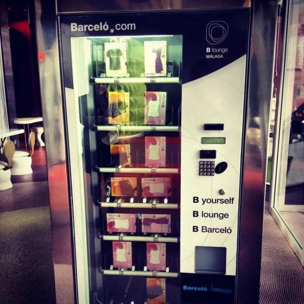 Vending machine de pijamas en el Barceló Málaga