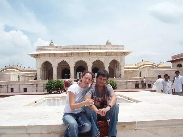 Vero y Pau en la zona del Khas Mahal del Agra Fort