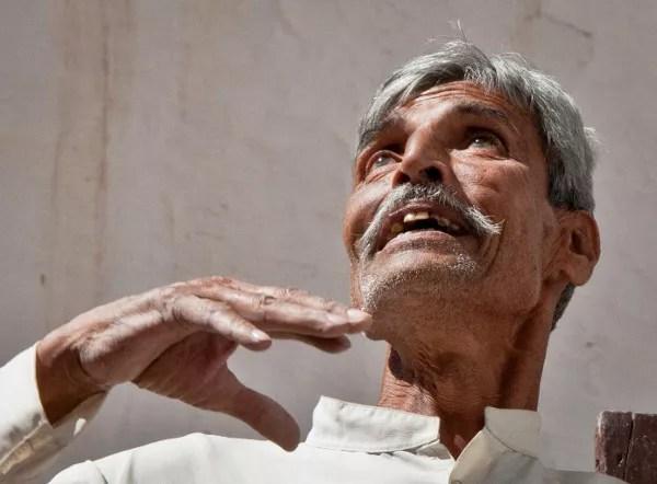 Viajes a India con Panipuri Viajes, hombre iluminado