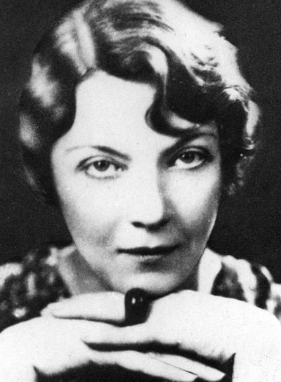 jean rhys an insight Wide sargasso sea by jean rhys wide sargasso sea is a must-read for all jane eyre fans as we are given a fascinating insight into the infamous 'madwoman in the.