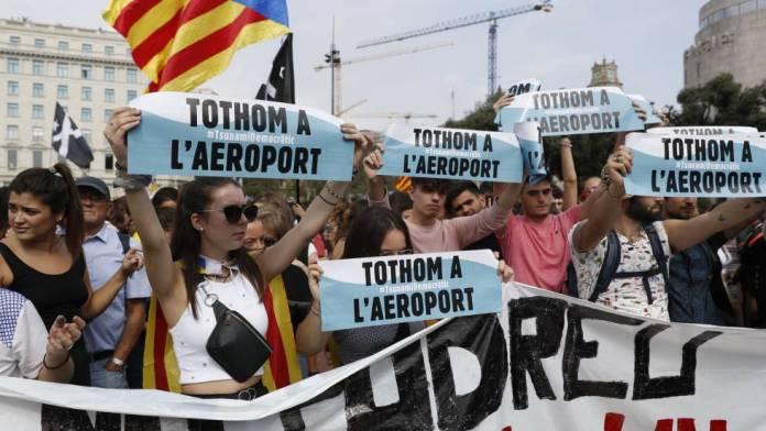 Resultado de imagen para Fotos de las protestas en Cataluña