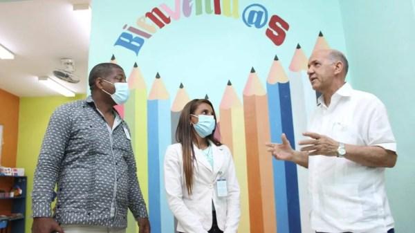 Isidro Torres entrega Centro Tecnológico Comunitario en Bayaguana