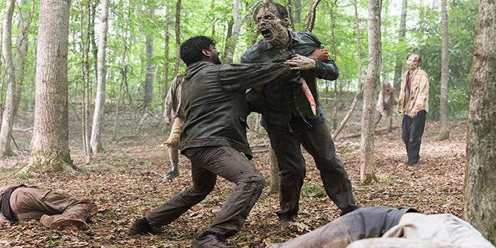 Matando zombis The Walking Dead El Palomitrón