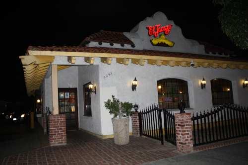 El Tacazo en South Gate. (Foto Agustín Durán/El Pasajero).