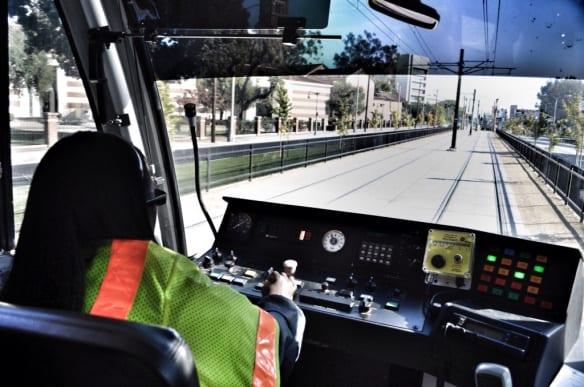 Conductor de un tren de la Línea Expo. Foto: Steve Hymon/Metro.