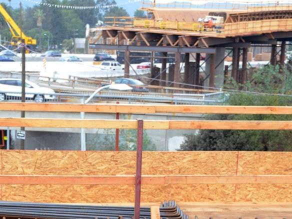 Reconstrucción de rampas en Wilshire Boulevard. Foto: Metro