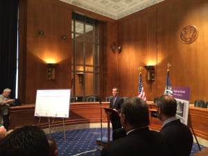 El alcalde Eric Garcetti durante su intervención en Washington D.C.