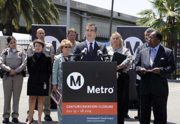 El alcalde Eric Garcetti durante la conferencia de hoy. Foto: Juan Ocampo/Metro.