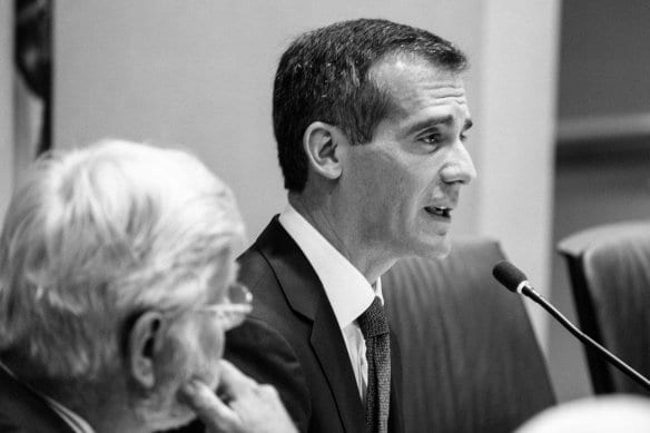 El alcalde Eric Garcetti en la reunión de la Junta Directiva de Metro. Foto: Steve Hymon/Metro.