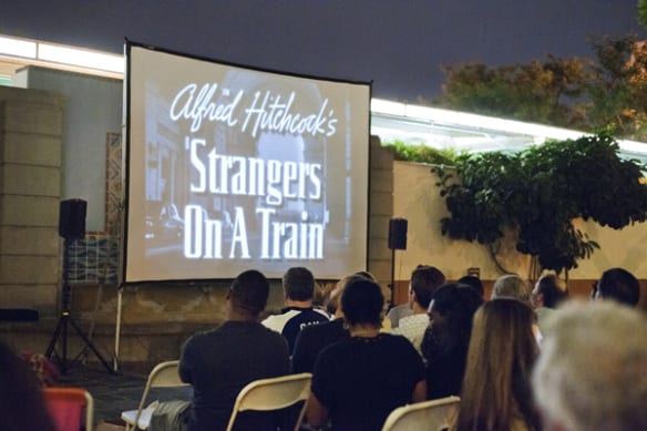 "La proyección de la película ""Strangers on a Train"", en colaboración con Echo Park Film Center."