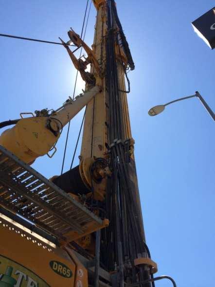 Máquina perforadora cerca de la intersección de Crenshaw Boulevard y Exposition Boulevard. Foto: Metro.
