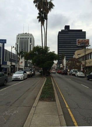 Los negocios que ofrecerán descuentos están ubicados a lo largo de Wilshire Boulevard o cerca de esta vía.