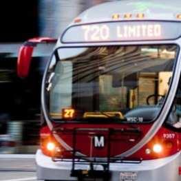 Autobús 720. Foto: Eric Richardson via Flickr c.c.