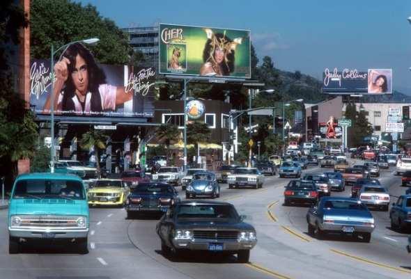 Aunque esta foto de Sunset Strip  es anterior a 1985, muestra claramente que ya había mucho tráfico. Foto: Fred Seibert vía Flickr creative commons.
