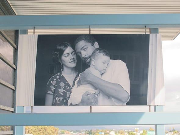 Fotografía sin título de Tony Gleaton en la estación Sierra Madre Villa.
