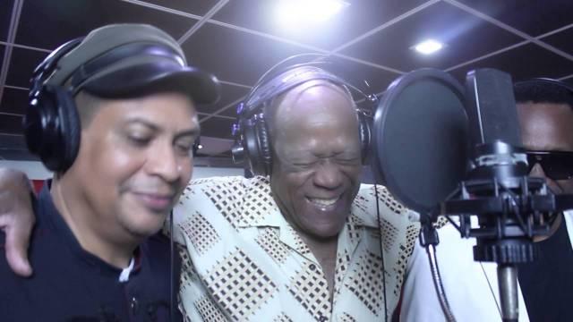 Diomedes & Johnny Ventura – Hierba Mala En Navidad (Official Video)