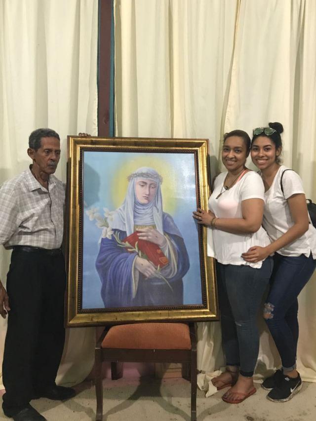 La Familia Basora Celebra La Semana De La Virgen Santa Catalina
